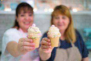 Nicoles Zuckerwerk mit Marions Kaffeeklatsch backen Eistüten-Cupcakes