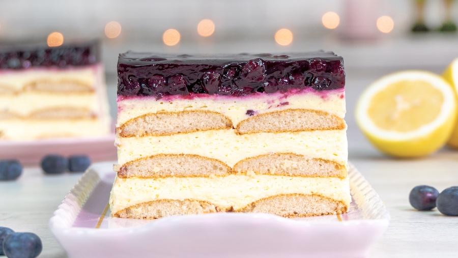 Nicoles Zuckerwerk No Bake Paradiescreme-Zitronen-Heidelbeer-Schnitte