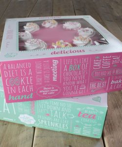 Nicoles Zuckerwerk Shop Tortenschachtel bunt bedruckt